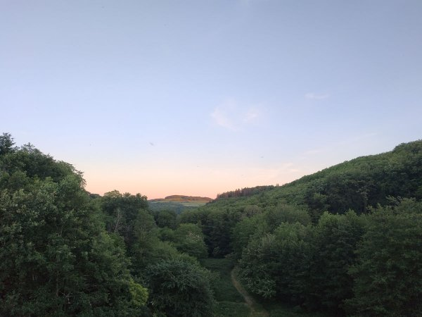 Coucher de soleil sur colline, juin 2020